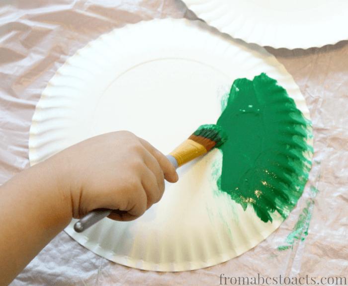 preschool painting - spiral paper plate craft